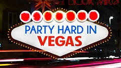 Lara Loft feat. Black Mike - Party Hard In Vegas