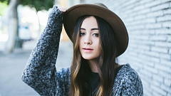 Jasmine Thompson im Interview